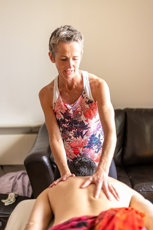Niamh Kissane Lomi Lomi Massage